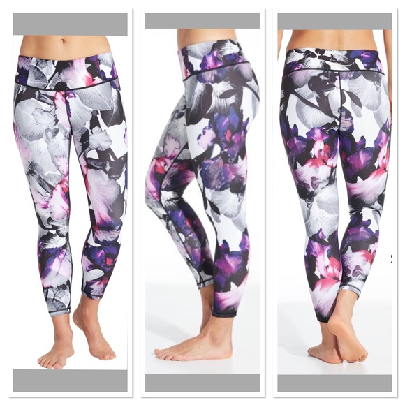 a267ef49171a4 CALIA by Carrie Underwood Pants - Calia by Carrie Underwood 7/8 essential  leggings